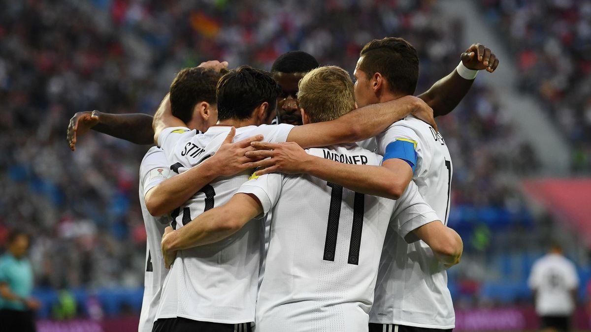 La joie des Allemands après le but de Lars Stindl.