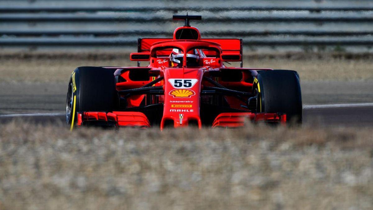 Carlos Sainz alla guida della Ferrari