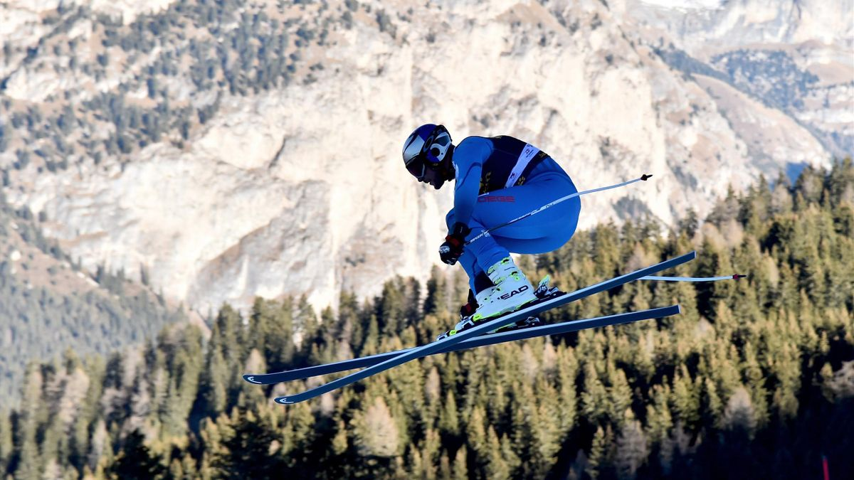 Norway's Aksel Lund Svindal takes part in the Men's Downhill training session of the FIS Alpine Skiing World Cup in Val Gardena in the Italian Alps on December 15, 2016