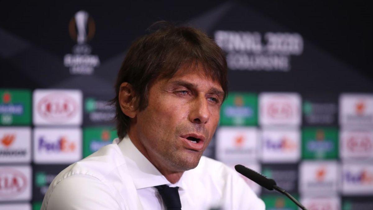 Inter-Trainer Antonio Conte auf der Pressekonferenz