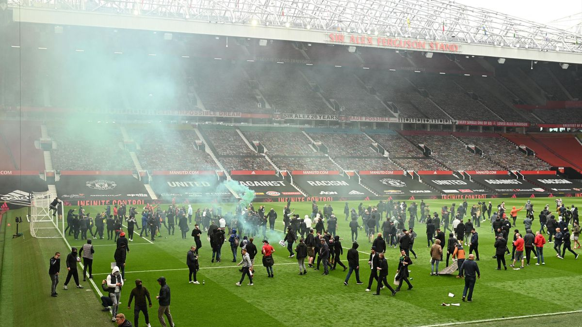 Фанаты «Манчестер Юнайтед» протестуют против владельцев клуба
