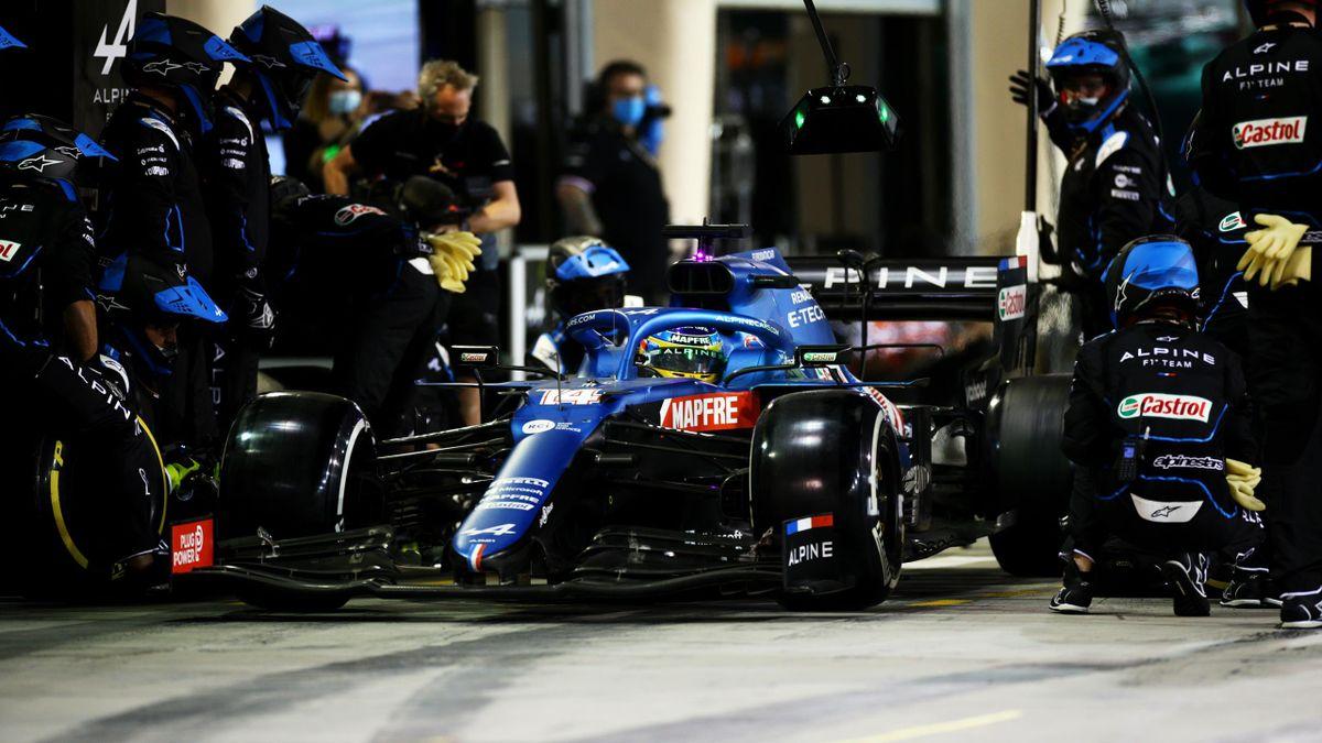 Fernando Alonso abandona en su primera carrera con Alpine