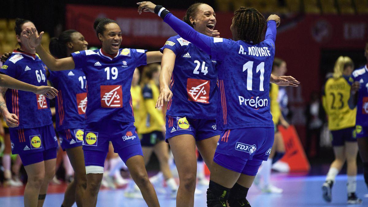 La joie des Bleues, qualifiées pour les demi-finales de l'Euro après leur victoire face à la Suède