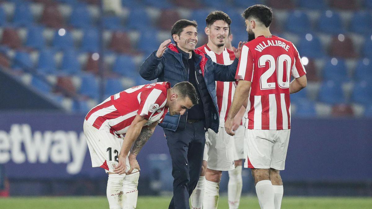 Марселино Гарсия Тораль с игроками «Атлетика»