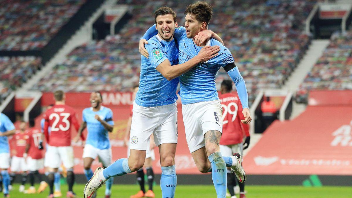 Rúben Dias und John Stones von Manchester City