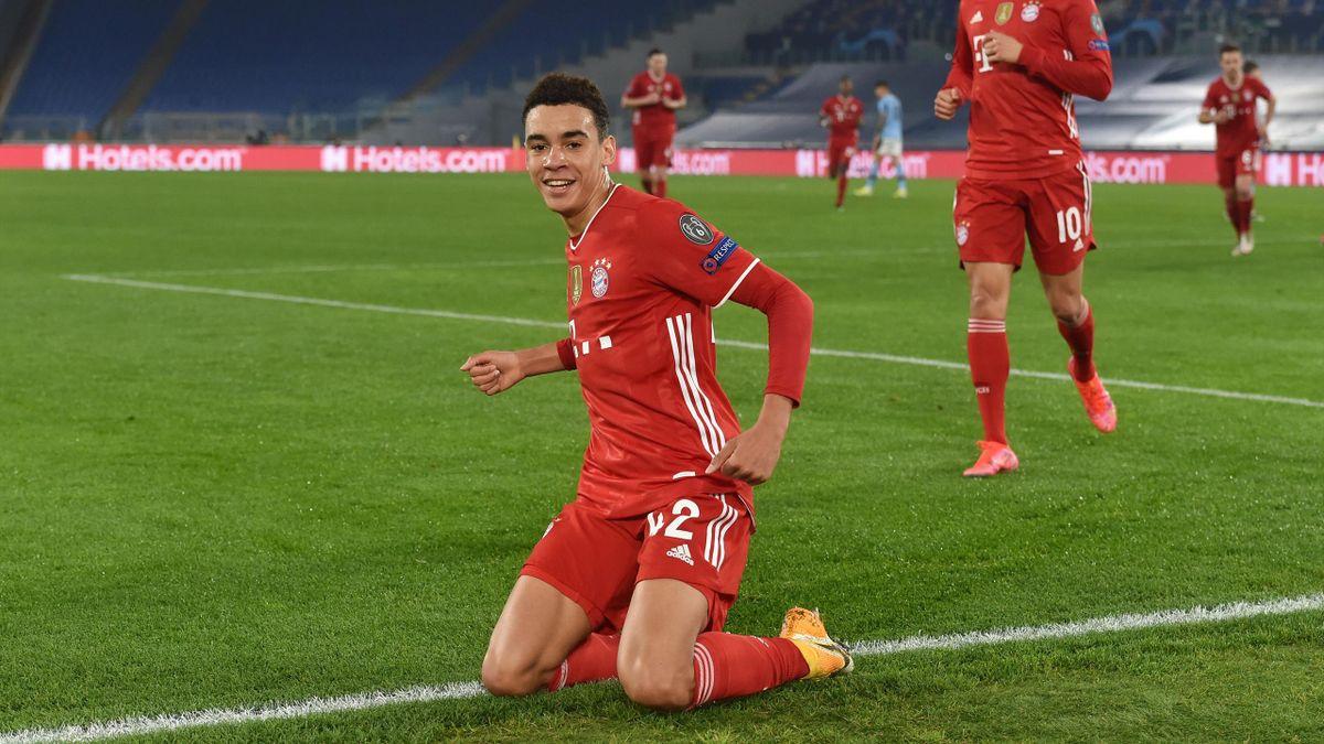 Jamal Musiala (l.) trifft für den FC Bayern