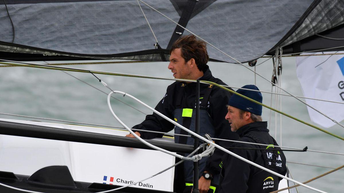 """Charlie Dalin et Yann Elies sur leur bateau """"Apivia"""""""