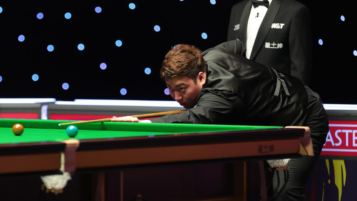 Yan Bingtao at the 2021 Masters (World Snooker)