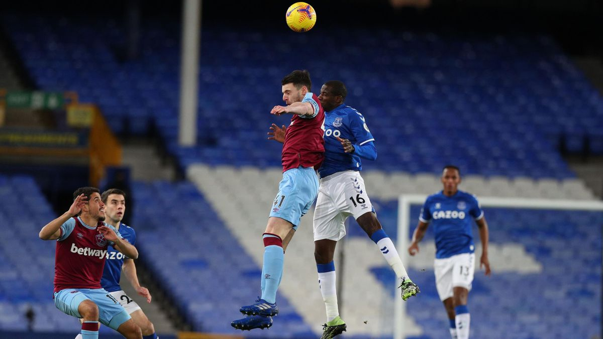 Everton-West Ham, Premier League 2020-2021: uno scontro aereo tra Declan Rice (West Ham) e Abdoulaye Doucouré (Everton) (Getty Images)