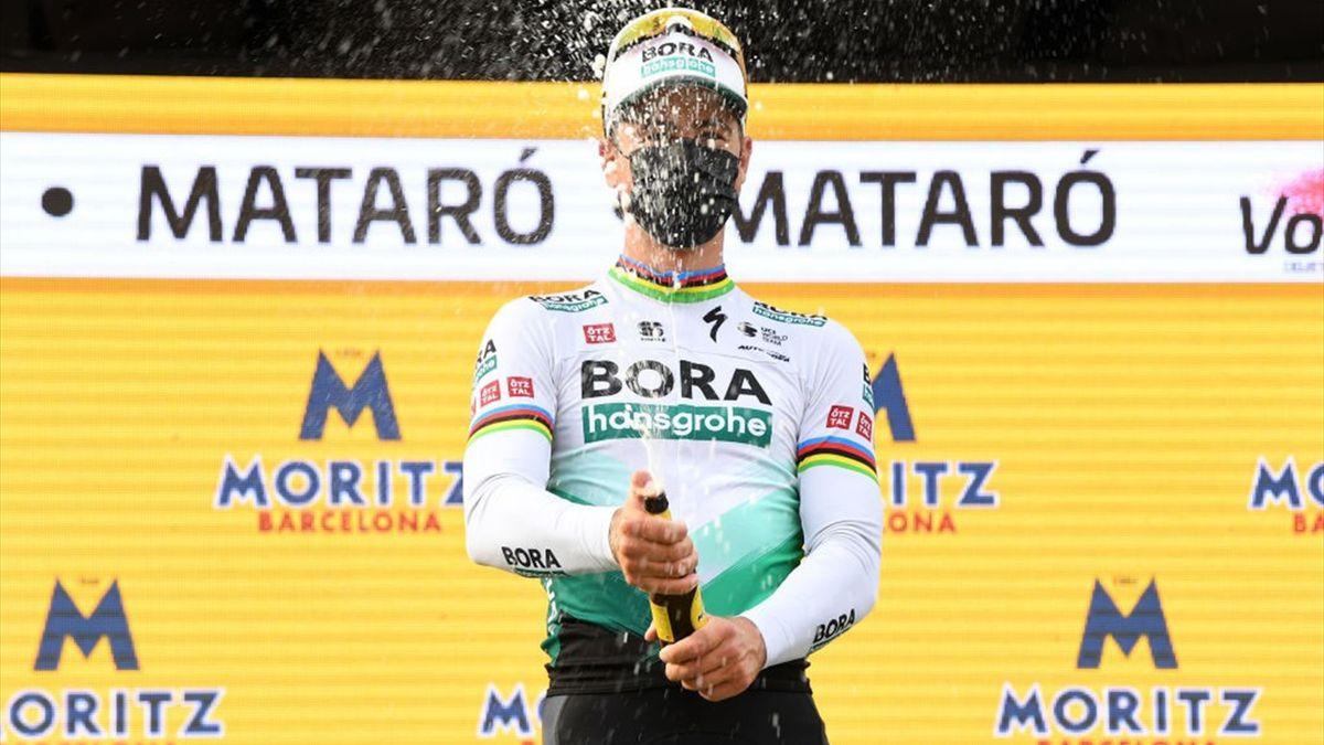 Peter Sagan festeggia il successo sul traguardo di Mataró alla Volta a Catalunya 2021 - Getty Images
