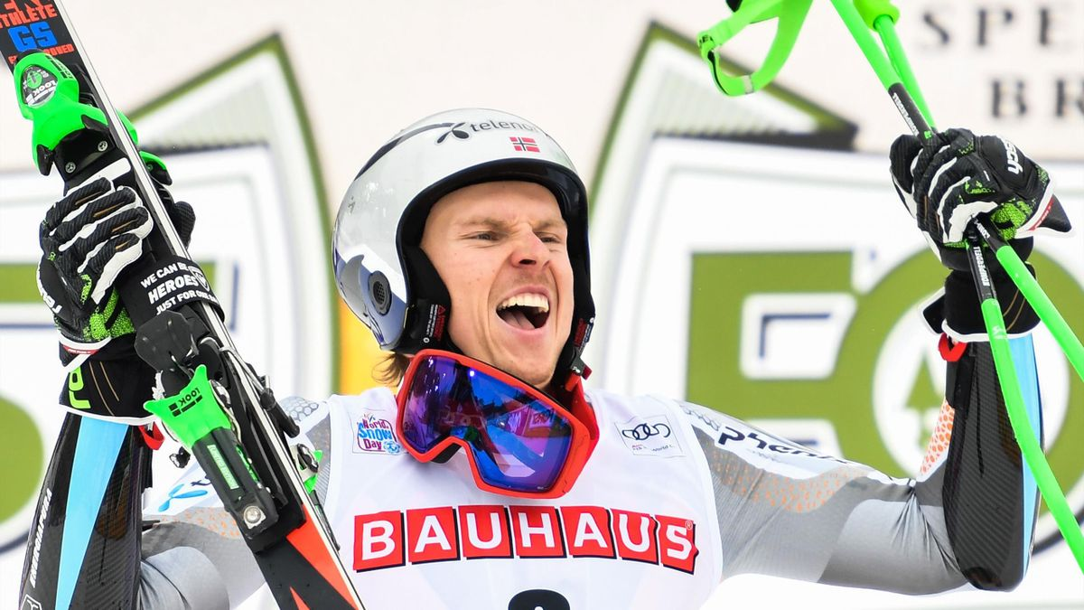 Norway's Henrik Kristoffersen reacts after winning the Men's Giant Slalom of the FIS Alpine World Cup on December 22, 2019 in Alta Badia, Dolomites