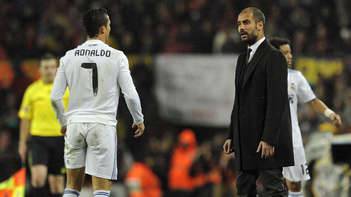 Cristiano Ronaldo e Pep Guardiola durante il Clasico Barcellona-Real Madrid del 29 novembre 2010