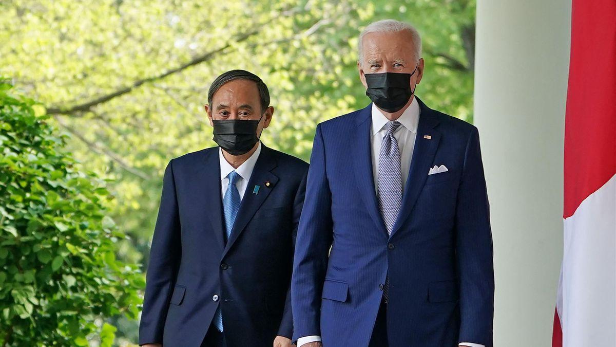 Yoshihide Suga und Joe Biden im April 2021 in Washington