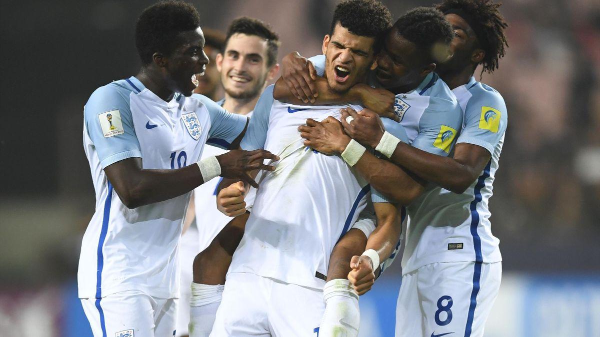 England's forward Dominic Solanke (#10) celebrates his goal with teammates