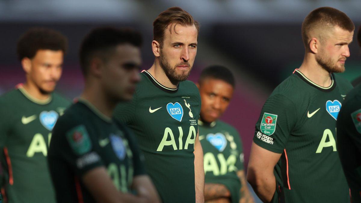 Harry Kane of Tottenham Hotspur looks dejected