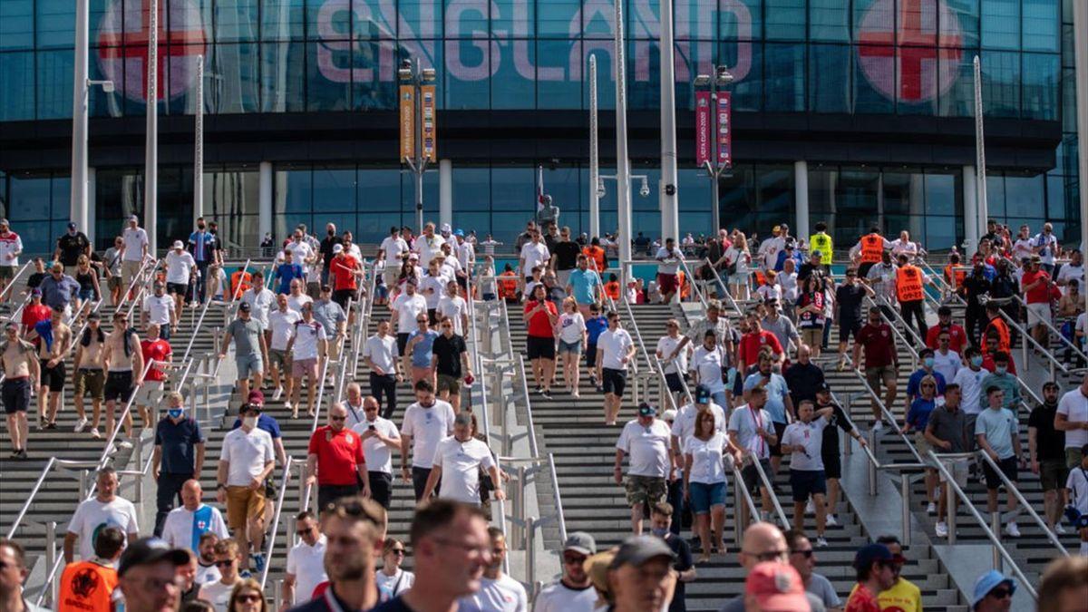 Tifosi a Wembley prima di entrare allo stadio per Inghilterra-Croazia - Europei 2021
