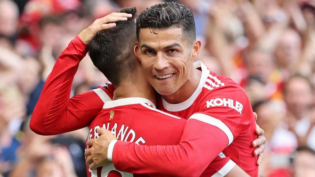 Cristiano Ronaldo esulta insieme a Bruno Fernandes durante Manchester United-Newcastle United - Premier League 2021/2022