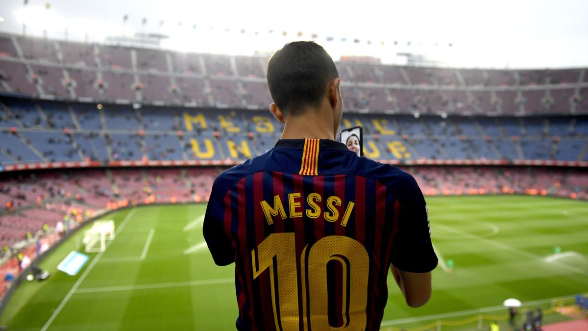 Un fan du Barça dans le Camp Nou