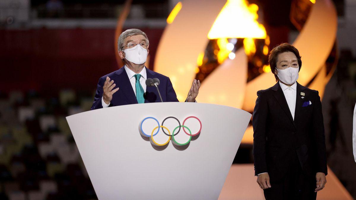 IOC-voorzitter Thomas Bach tijdens de sluitingsceremonie in Tokio