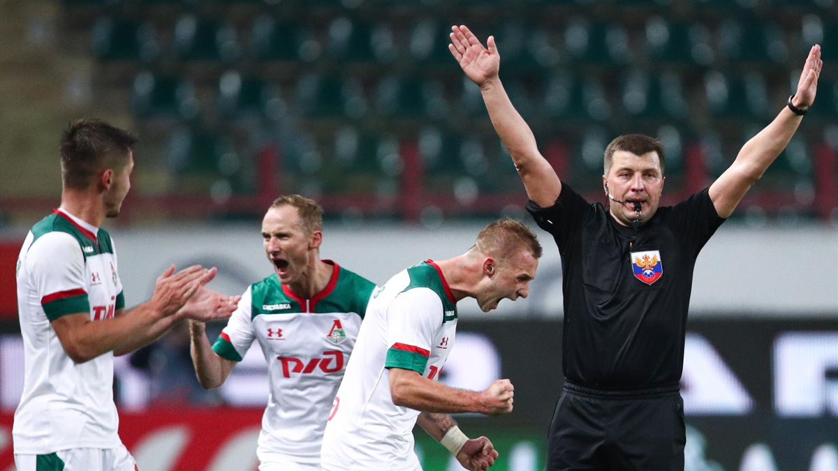 Арбитр Михаил Вилков на матче «Локомотив» – «Зенит»