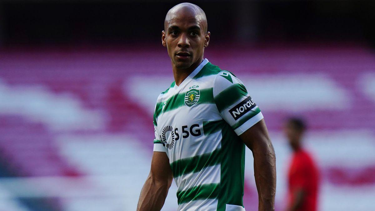 Joao Mario con la maglia dello Sporting Lisbona