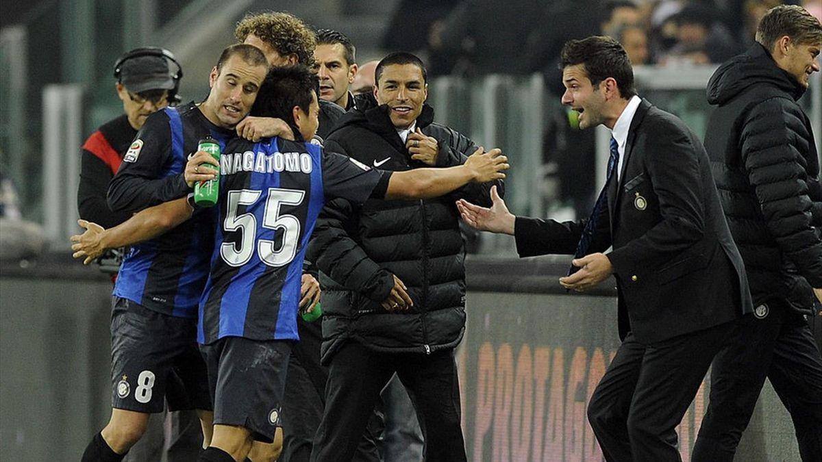 La gioia di Andrea Stramaccioni e dei giocatori dell'Inter - Juventus-Inter Serie A 2011-12