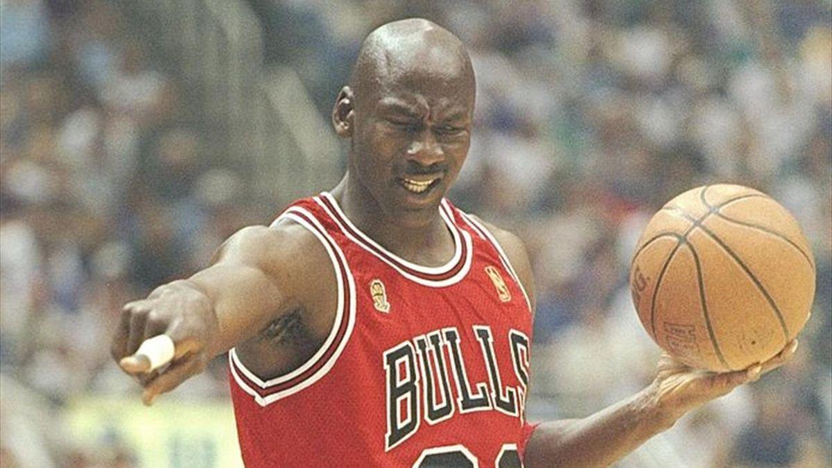 Michael Jordan a scris istorie pentru Bulls, conducând echipa către 6 titluri în NBA