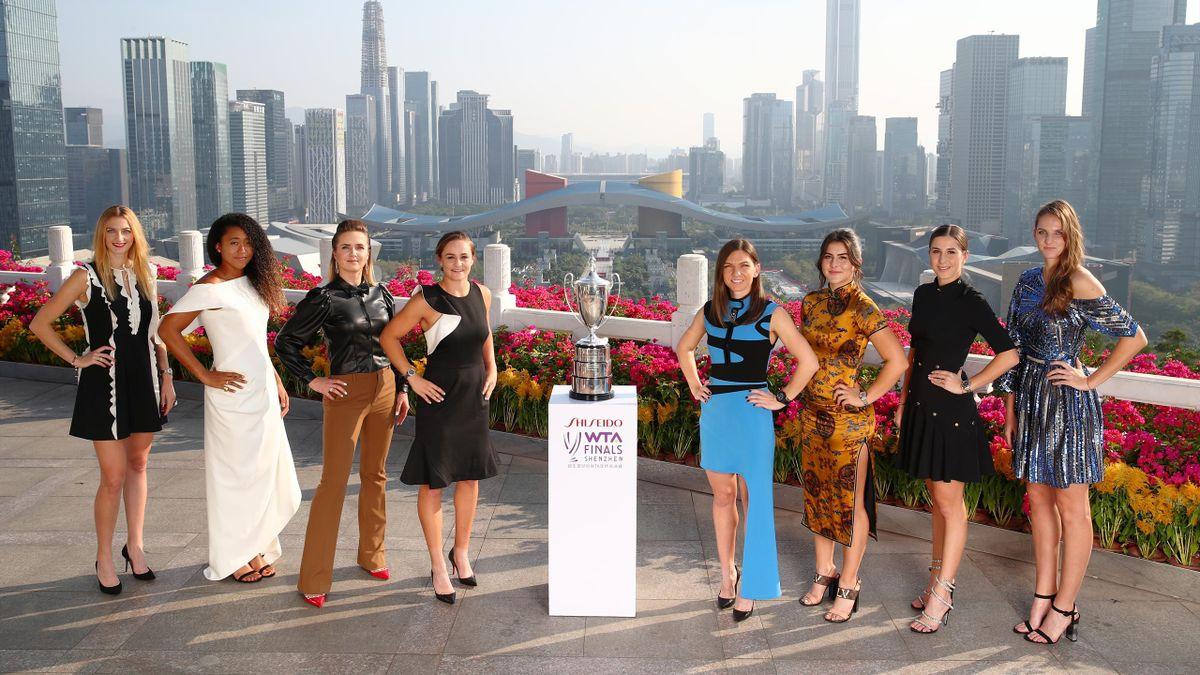 Petra Kvitova, Naomi Osaka, Elina Svitolina, Ashleigh Barty, Simona Halep, Bianca Andreescu, Belinda Bencic and Karolina Pliskova pose for a photo with the Billie Jean King Trophy ahead of the 2019 WTA Finals