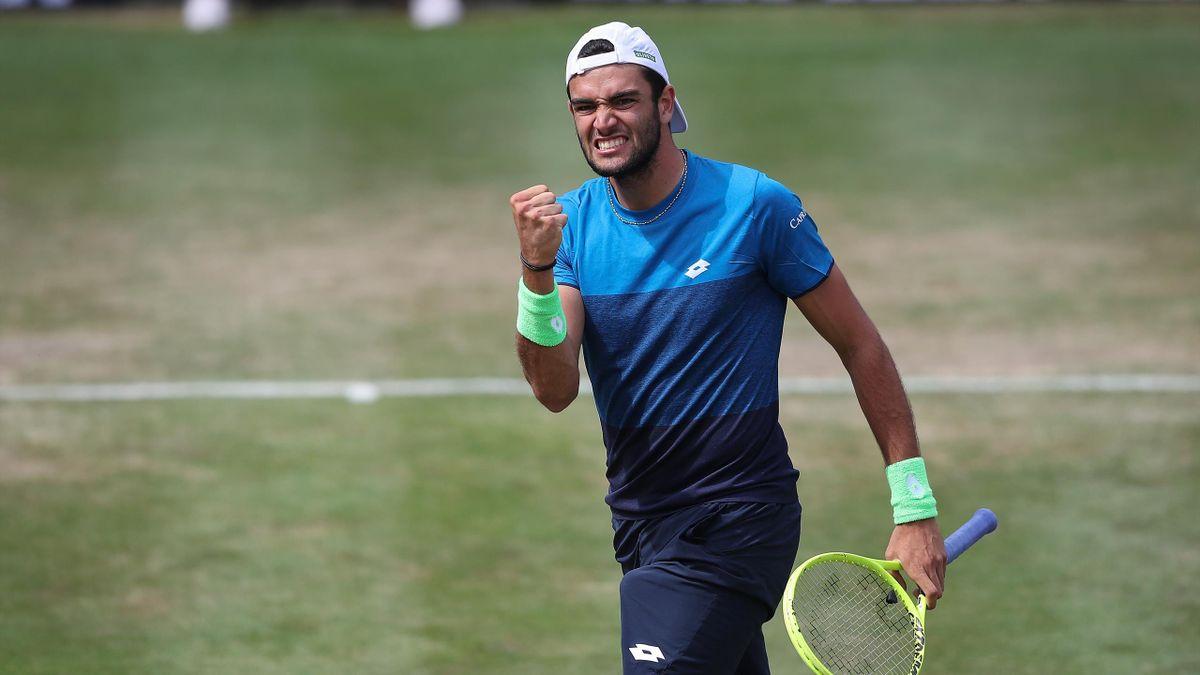 Matteo Berrettini esulta per la vittoria a Stoccarda: col successo in Germania è diventato l'italiano più giovane a vincere tre titoli ATP, Getty Images