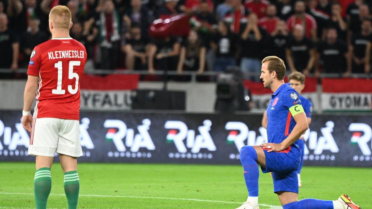 England-Kapitän Harry Kane kniet vor dem Spiel in Ungarn