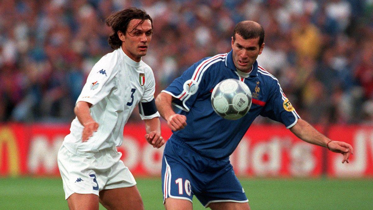 Paolo Maldini et Zinedine Zidane en finale de l'Euro 2000.