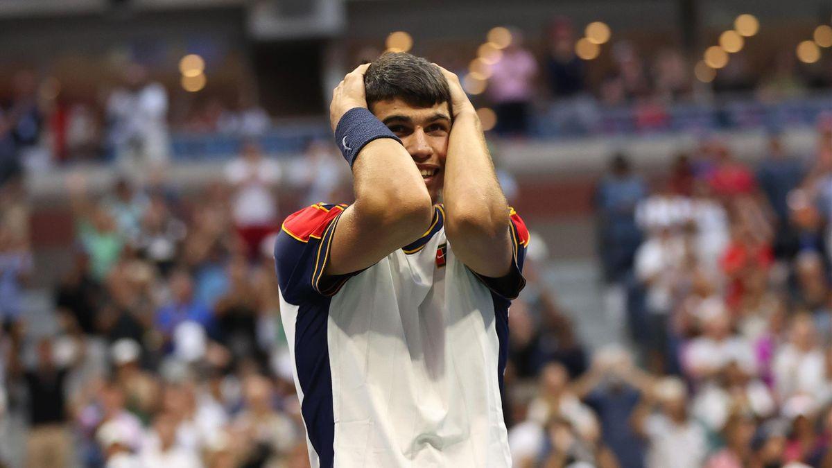 Carlos Alcaraz savoure sa victoire contre Stefanos Tsitsipas au 3e tour de l'US Open 2021