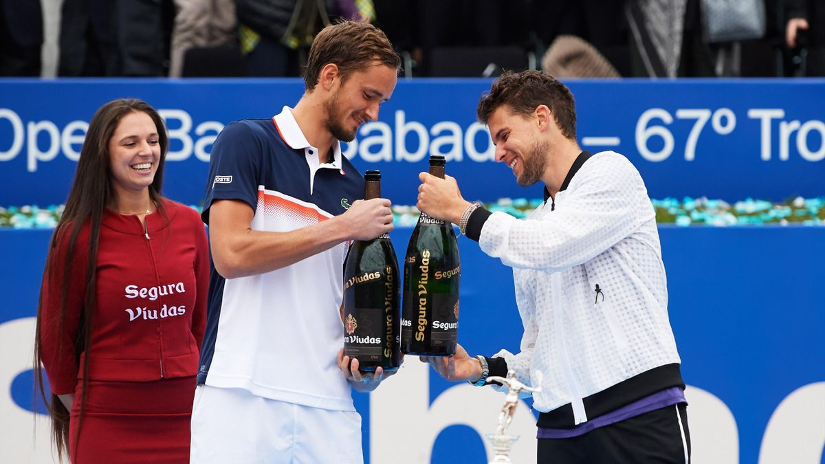 Даниил Медведев и Доминик Тим после финала турнира в Барселоне (2019)