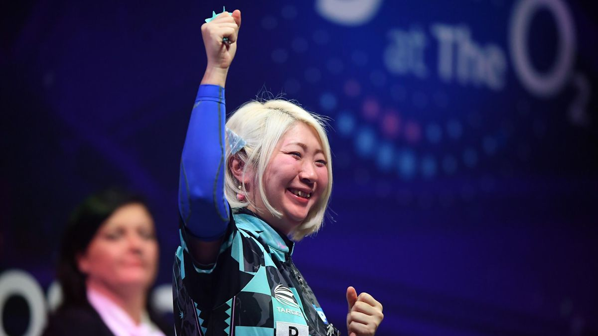 Mikuru Suzuki of Japan celebrates victory