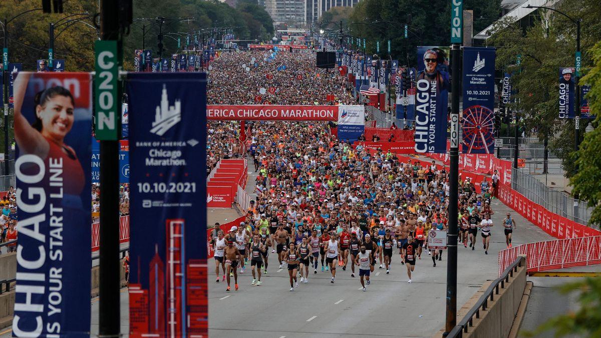 Tura au finish, Chepngetich en patronne : les temps forts du marathon de Chicago en vidéo