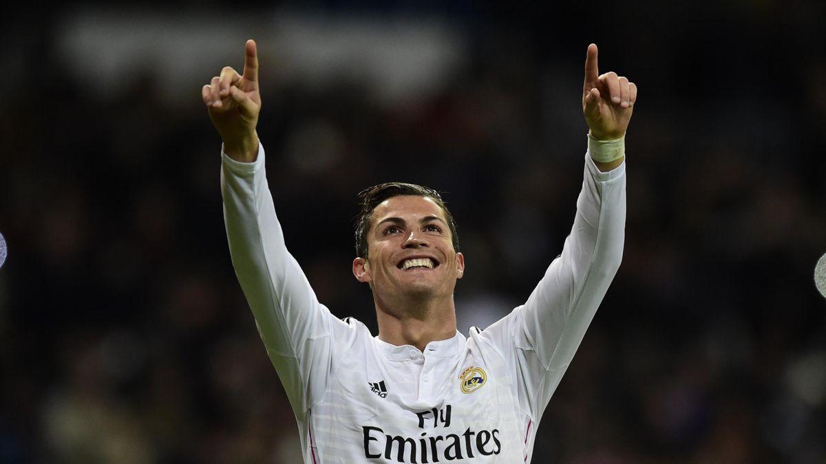 Cristiano Ronaldo élu meilleur joueur de l'UEFA