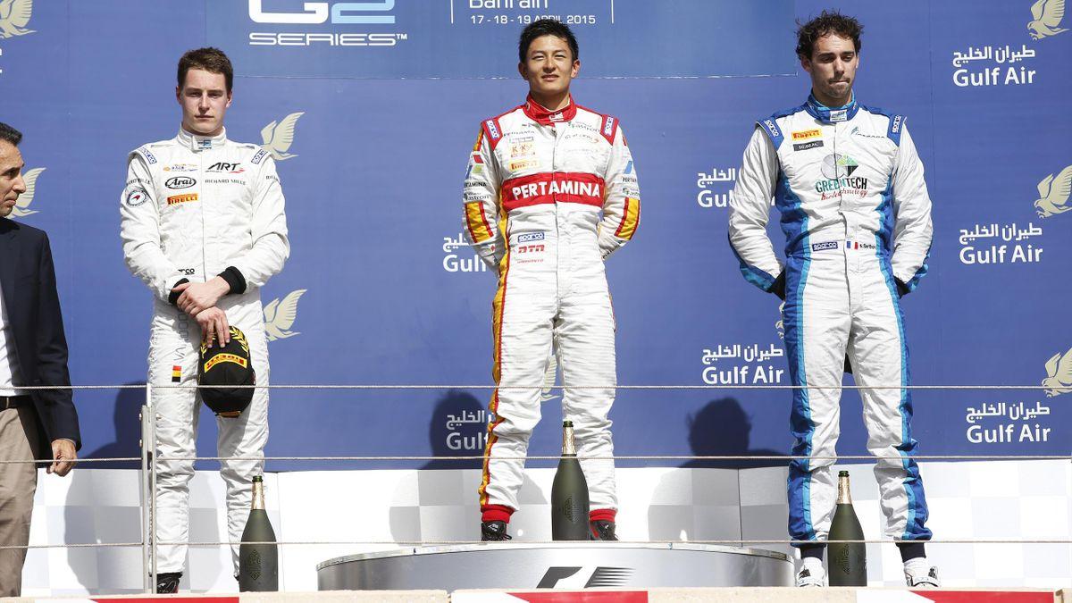 Stoffel Vandoorne (ART), Nathanaël Berthon (Lazarus), Ryo Haryanto (Campos) et sur le podium de la Course 2 à Sakhir 2015