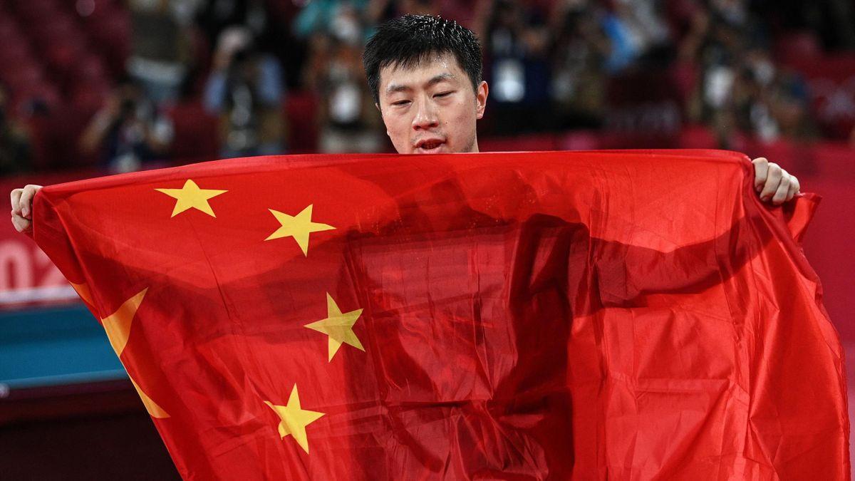 Ma Long, sacré à Rio, reste le roi du tennis de table après son titre à Tokyo vendredi.
