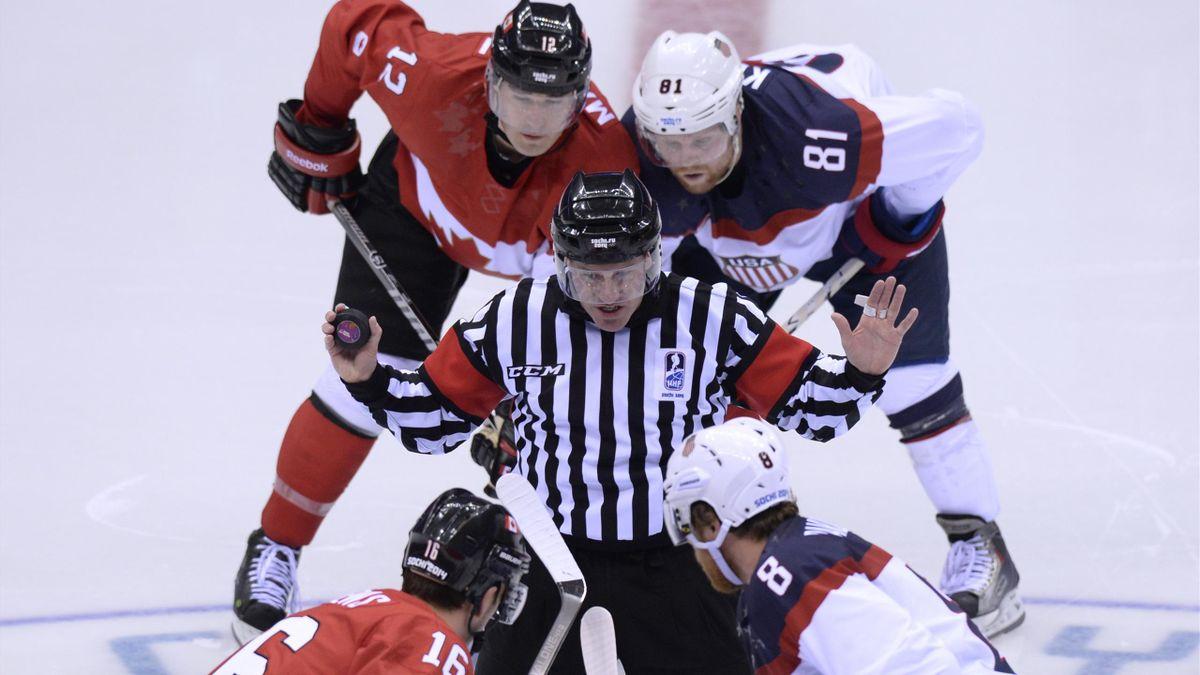 2014 JO Sotchi Hockey Arbitre Canada