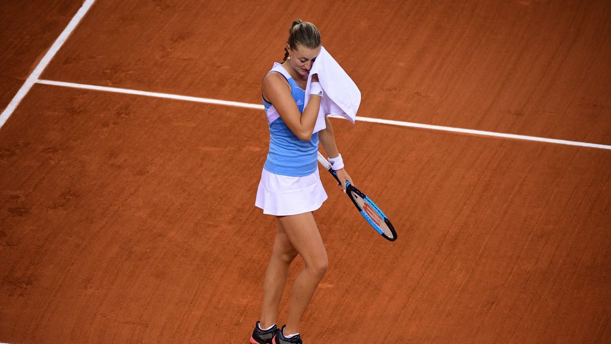 Kristina Mladenovic lors de son duel Simona Halep en Fed Cup
