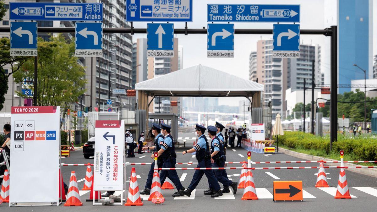 Det er strenge regler både inni og rett utenfor OL-landsbyen i Tokyo.