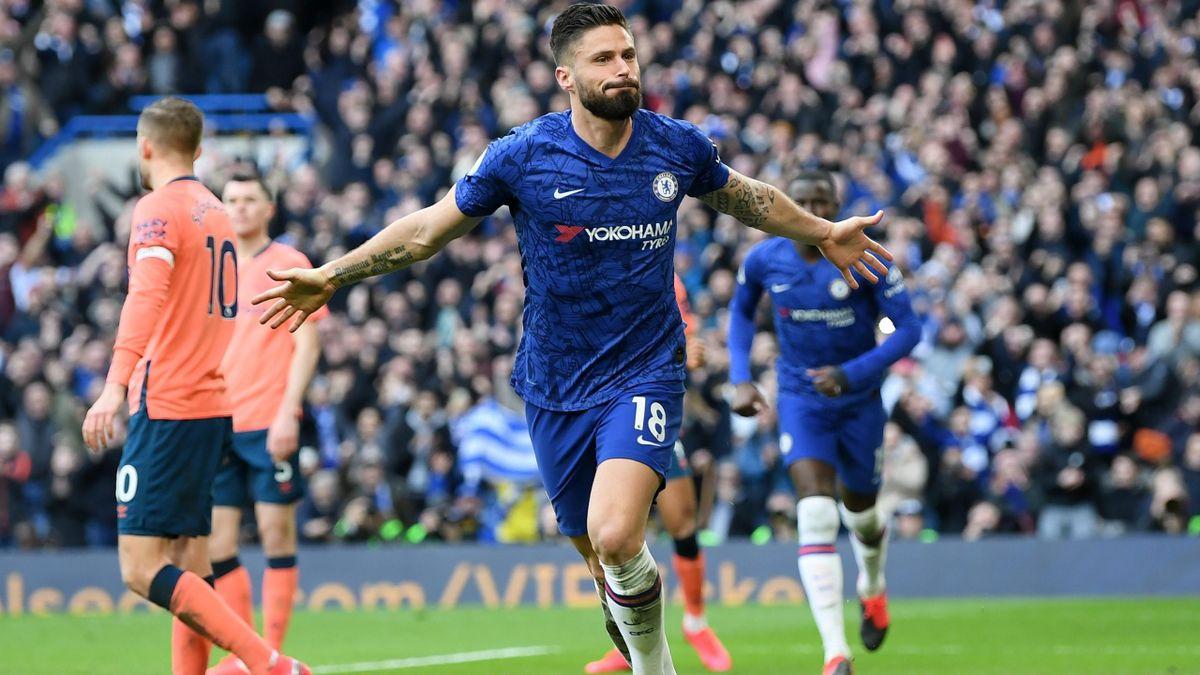 Olivier Giroud (Chelsea) a marcat 2 goluri în 9 partide din acest sezon de Premier League