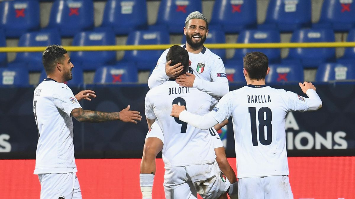 Andrea Belotti omaggia Lorenzo Insigne, autore dell'assist per il gol contro la Bosnia, Bosnia-Italia, Nations League, Getty Images