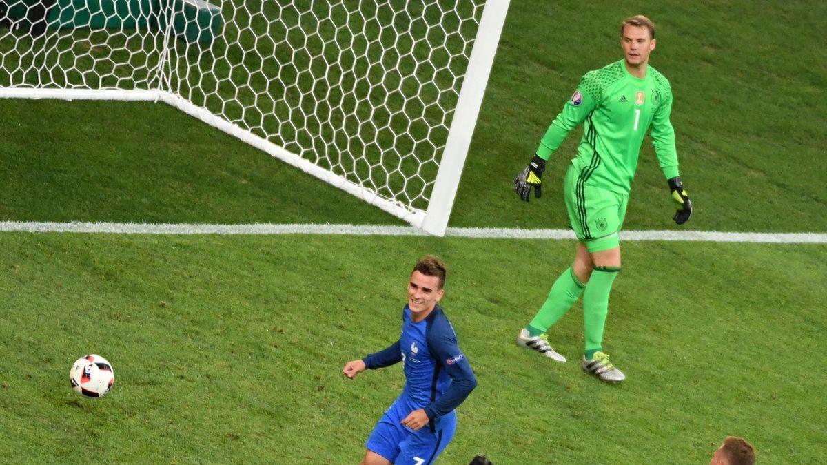 Antoine Griezmann (France) face à Manuel Neuer (Allemagne) à l'Euro 2016