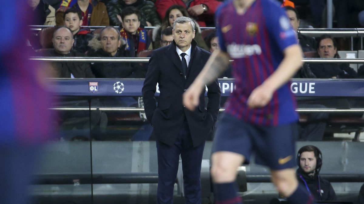 Bruno Genesio face au FC Barcelone