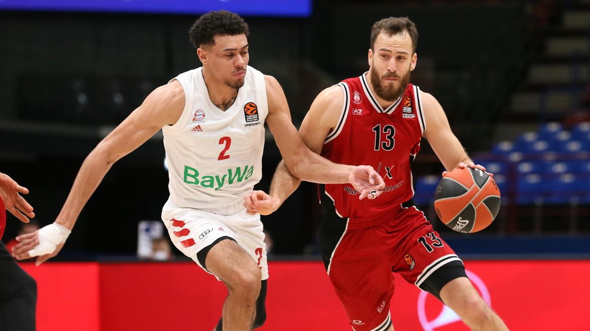 Sergio Rodriguez, #13 of AX Armani Exchange Milan competes with Wade Baldwin, #2 of FC Bayern Munich during the 2020/2021 Turkish Airlines EuroLeague Regular Season Round 21 match between AX Armani Exchange Milan and FC Bayern Munich at Mediolanum Forum o