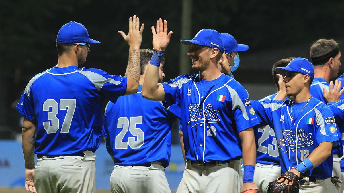 L'Italia del baseball celebra una vittoria agli Europei 2021