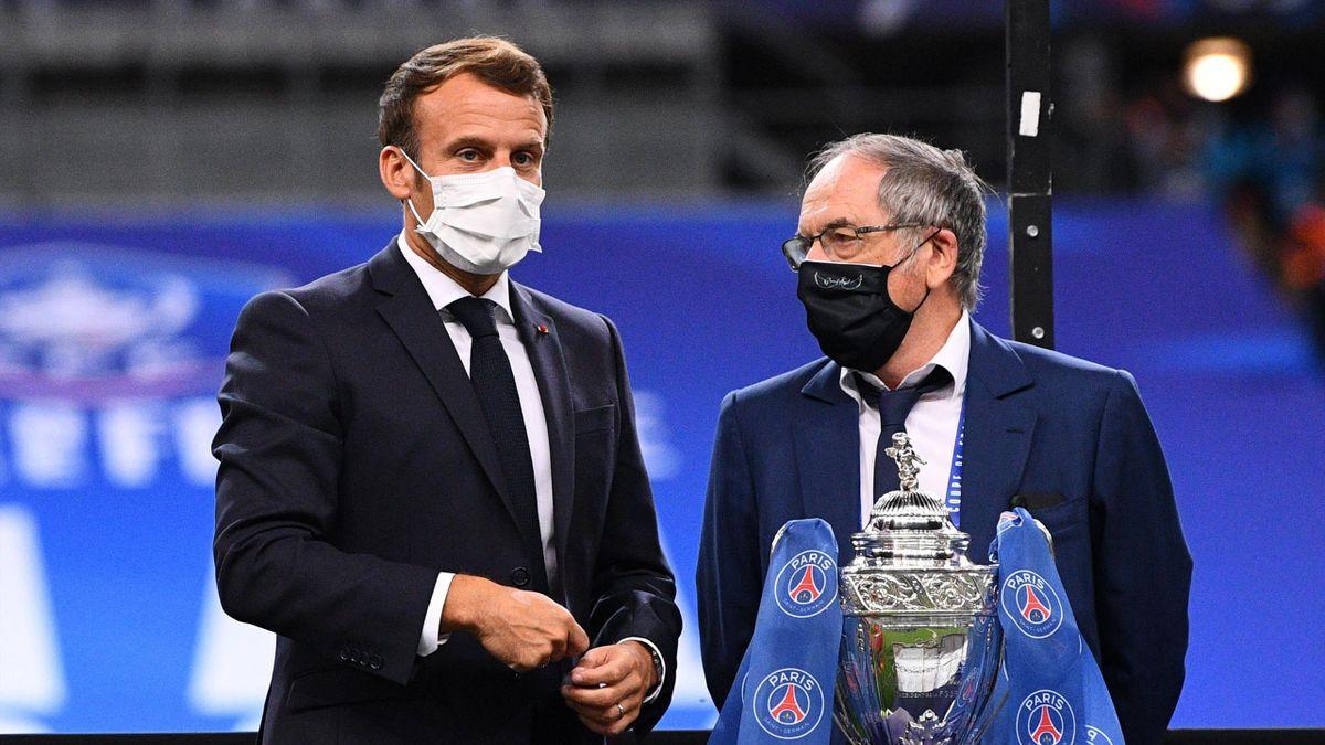 Emmanuel Macron et Noël Le Graët lors de la finale de Coupe de France 2020