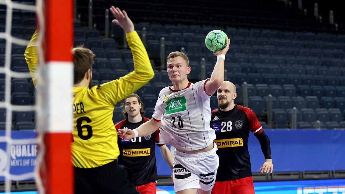 Timo Kastening (DHB) trifft im EM-Qualispiel gegen Österreich