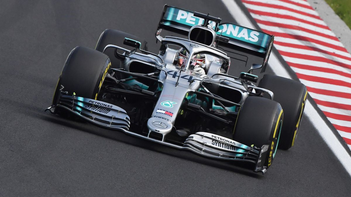 Mercedes' British driver Lewis Hamilton steers his car during the Formula One Hungarian Grand Prix at the Hungaroring circuit in Mogyorod near Budapest, Hungary, on August 4, 2019. (Photo by Attila KISBENEDEK / AFP) (Photo credit should read ATTILA KISBEN